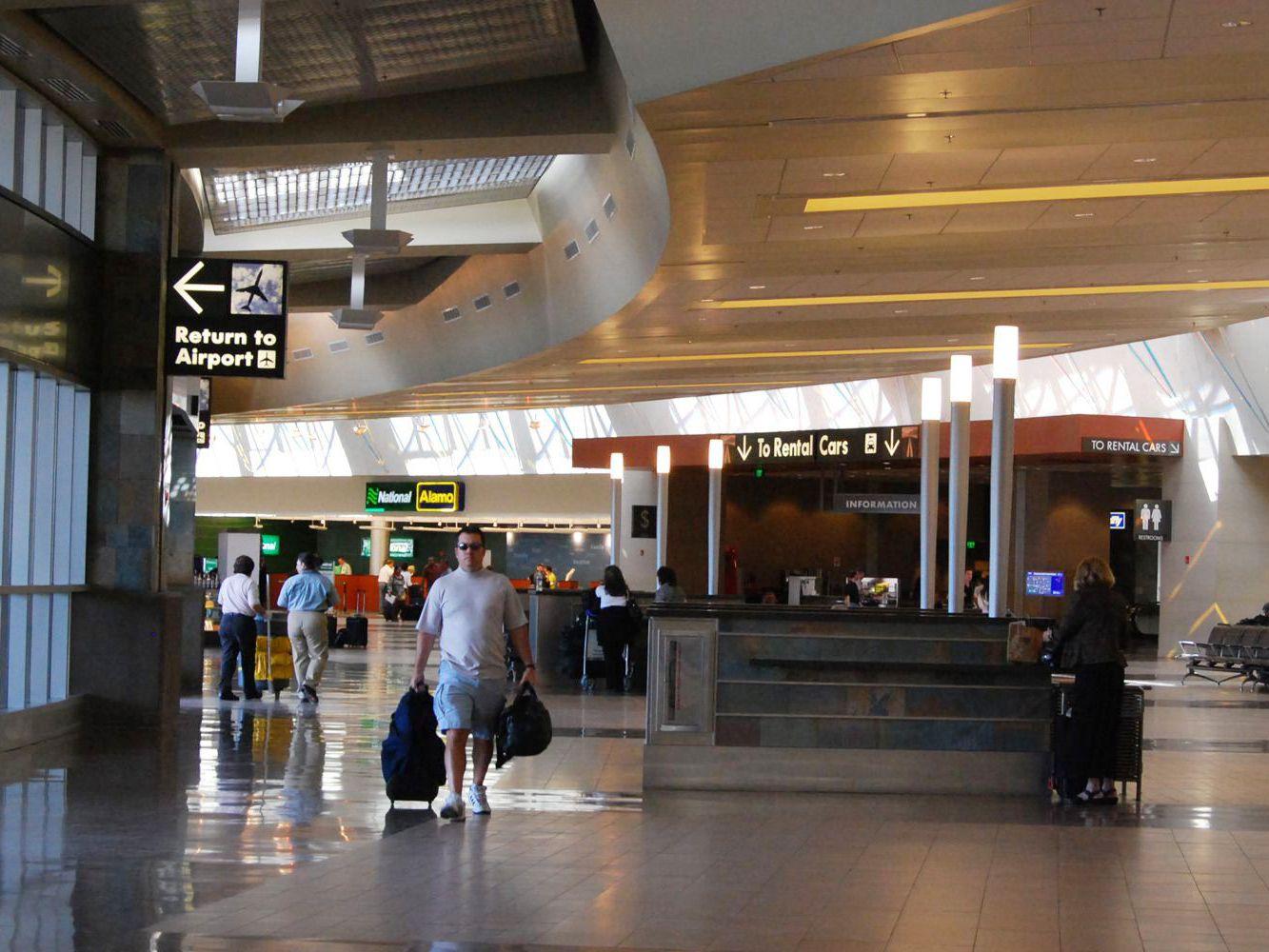 İzmir Havalimanından Araç Kiralama